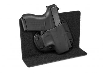 Small Purse Defender with Glock 42