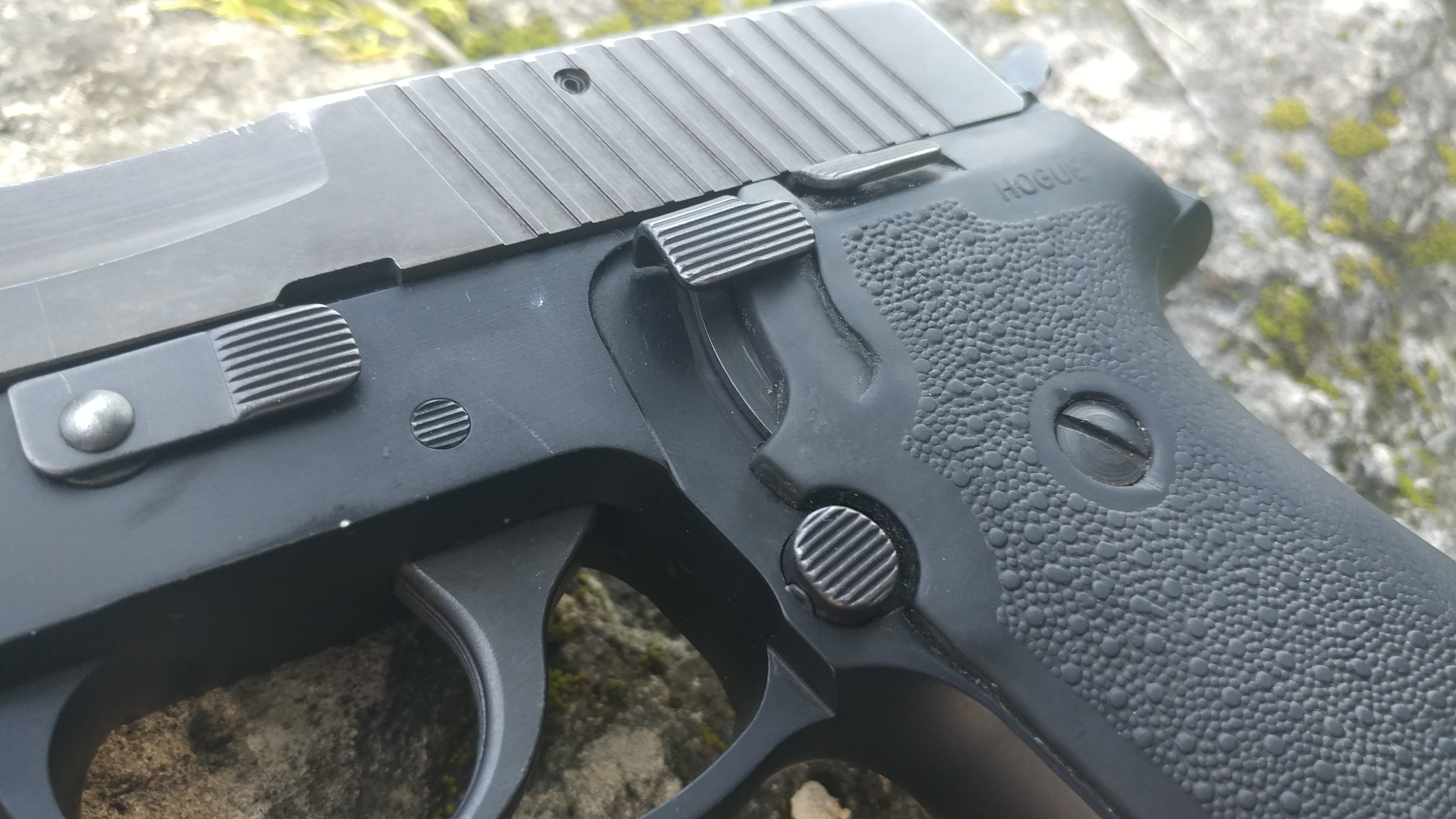 gun review, SIG SAUER, SIG P220, Travis Pike, CrossBreed Holsters, guns, handguns, SIG, P220