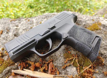 HEAD-TO-HEAD: SIG P365 vs Glock 48 | CrossBreed Blog | CrossBreed Blog