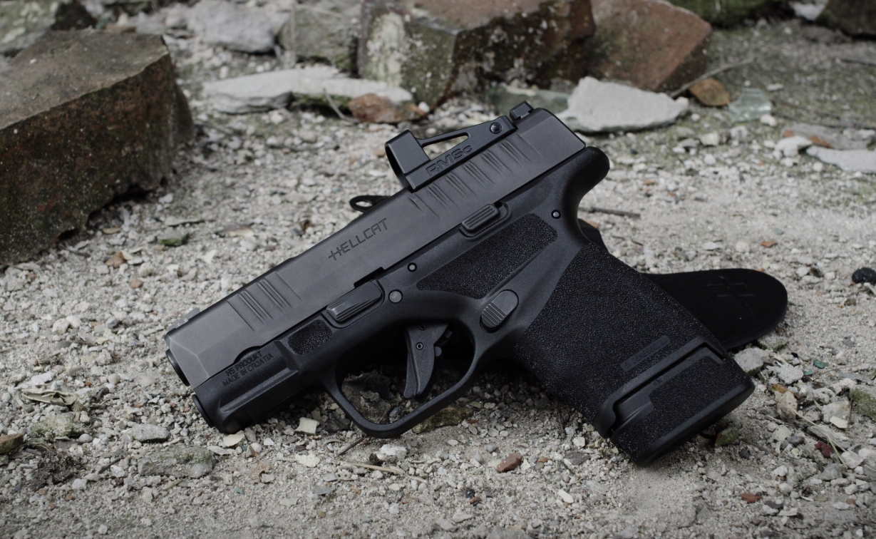 Springfield Armory, Hellcat, Springfield Hellcat, 9mm, edc, everyday carry, carry gun, concealed carry, micro-compact, holster for Hellcat, best concealed carry, hybrid holsters, iwb, owb, best holster, what gun should I, Sig P365, handguns, compact pistol, best handgun for concealed carry, Springfield Armory Hellcat, Hellcat pistol, concealed, CrossBreed Holsters, guns, pistol, 9mm pistol, compact pistol, best compact handgun