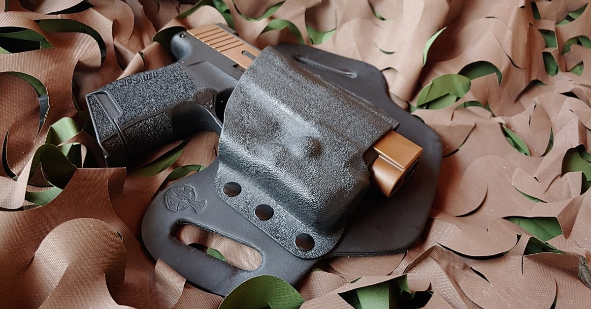 Concealed Carry Holster, 1911 Holster, IWB holster, SIG P365 holster, OWB, outside the waistband, DropSlide, CrossBreed Holsters, owb holster, hybrid holster, Travis Pike, firearms training, method of carry, gun holster